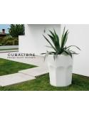 Vase lumineux CUBALIBRE pour intérieur et extérieur en polycarbonate de couleur blanc.