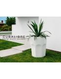 Vase décoratif CUBALIBRE pour intérieur et extérieur blanc laqué.