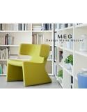 MEG fauteuil design rembourré et capitonné laine.