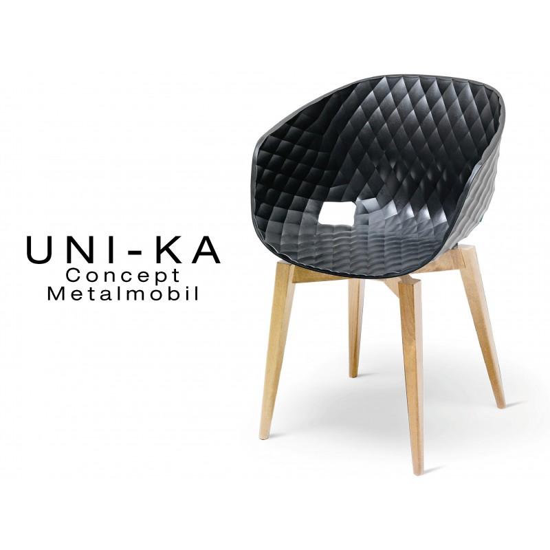 UNI-KA chaise coque couleur noire, piétement bois hêtre naturel.