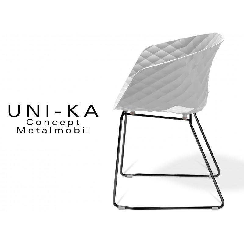 UNI-KA piétement luge noir assise coque couleur blanche.