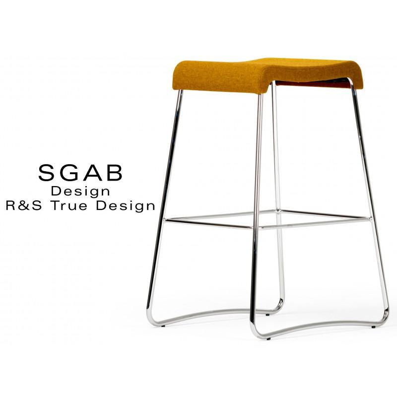 Tabouret design SGAB habillage tissu 100% laine, couleur orange Wesley, piétement acier chromé.