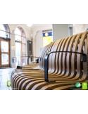 Exemple banc double NOVA option accoudoirs, assise bois structure métal - 2 modules