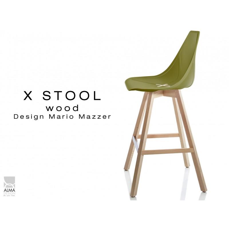 X-STOOL Wood 69 - piétement bois naturel assise coque vert militaire - lot de 2 tabourets