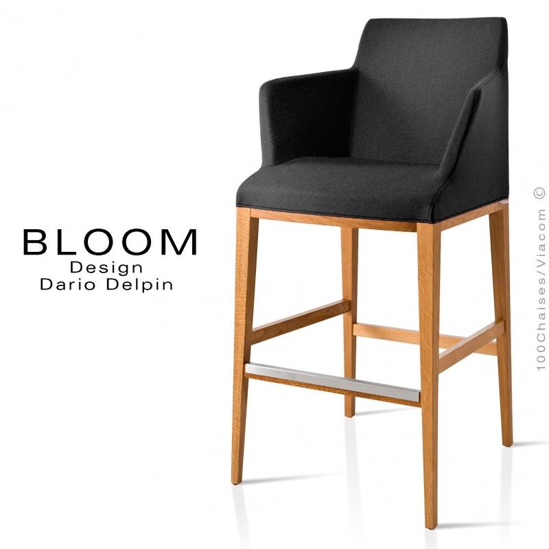 Tabouret de bar lounge BLOOM, structure bois vernis, assise et dossier garnis, habillage tissu noir