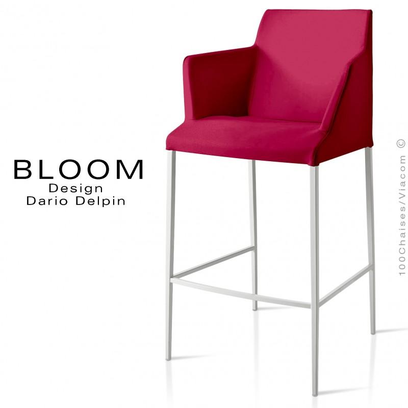 Tabouret de bar lounge avec accoudoirs BLOOM, structure acier peint blanc, assise et dossier garnis, habillage tissu vin