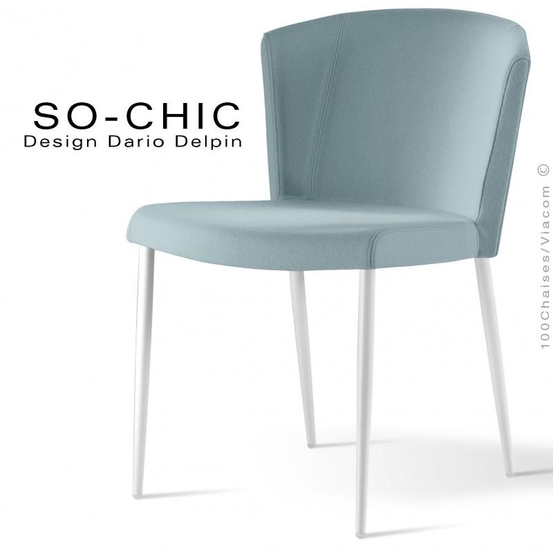 Chaise design tendance SO-CHIC, piètement 4 pieds acier peint blanc, assise garnie, habillage 100% laine type feutre bleu clair