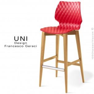 Tabouret de bar UNI assise effet matelassé, couleur rouge, piétement bois hêtre naturel