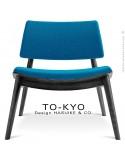 Chaise lounge pour salle d'attente TO-KYO bois teinté noir, assise et dossier garnis, habillage tissu synthétique bleu.