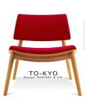 Chaise lounge pour salle d'attente TO-KYO bois naturel, assise et dossier garnis, habillage tissu synthétique rouge.