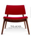 Chaise lounge pour salle d'attente TO-KYO bois teinté noyer, assise et dossier garnis, habillage tissu synthétique rouge.