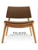 Chaise lounge pour salle d'attente TO-KYO bois naturel, assise et dossier garnis, habillage tissu synthétique marron.