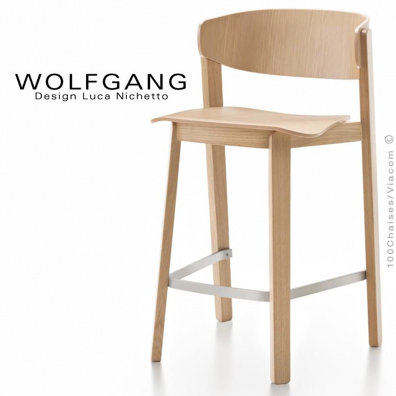 Tabouret design WOLFGANG, pour cuisine et îlot central, structure et assise chêne clair.