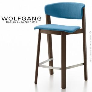 Tabouret en bois design WOLFGANG, piétement vernis wengé, assise et dossier habillage tissu couleur bleu.
