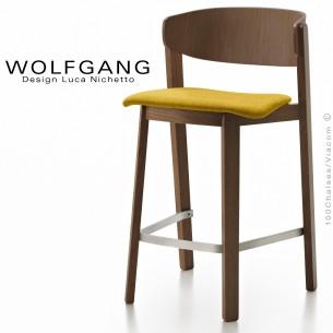 Tabouret design en bois WOLFGANG, pour cuisine et îlot central, vernis wengé, assise habillage tissu couleur jaune.