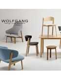 WOLFGANG chaise design en bois finition noix, assise capitonnée chanvre.