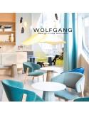 WOLFGANG lounge, fauteuil design bois, finition tabac, assise capitonné chanvre.