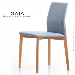 Chaise de restaurant GAIA, structure bois naturel, assise et dossier habillage tissu King-L-Kat, couleur bleu.