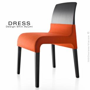 Chaise de restaurant GAIA, structure bois vernis au choix, assise habillage tissu King-L-Kat, ignifugé classification M1.