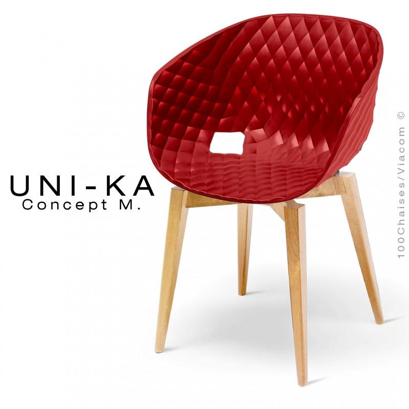 Fauteuil UNI-KA assise coque couleur rouge Marsala, pétement bois naturel