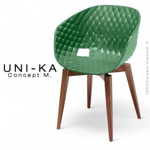 Fauteuil UNI-KA assise coque couleur vert pâle, piétement bois Hêtre teinté Noyer