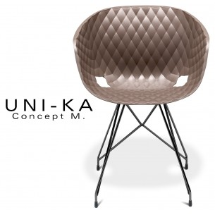 Fauteuil UNI-KA piétement noir assise coque couleur moka.