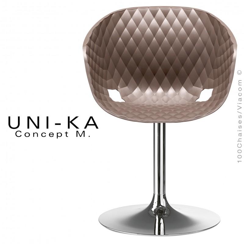 Fauteuil assie coque UNI-KA piétement chromé brillant, assise coque couleur moka.