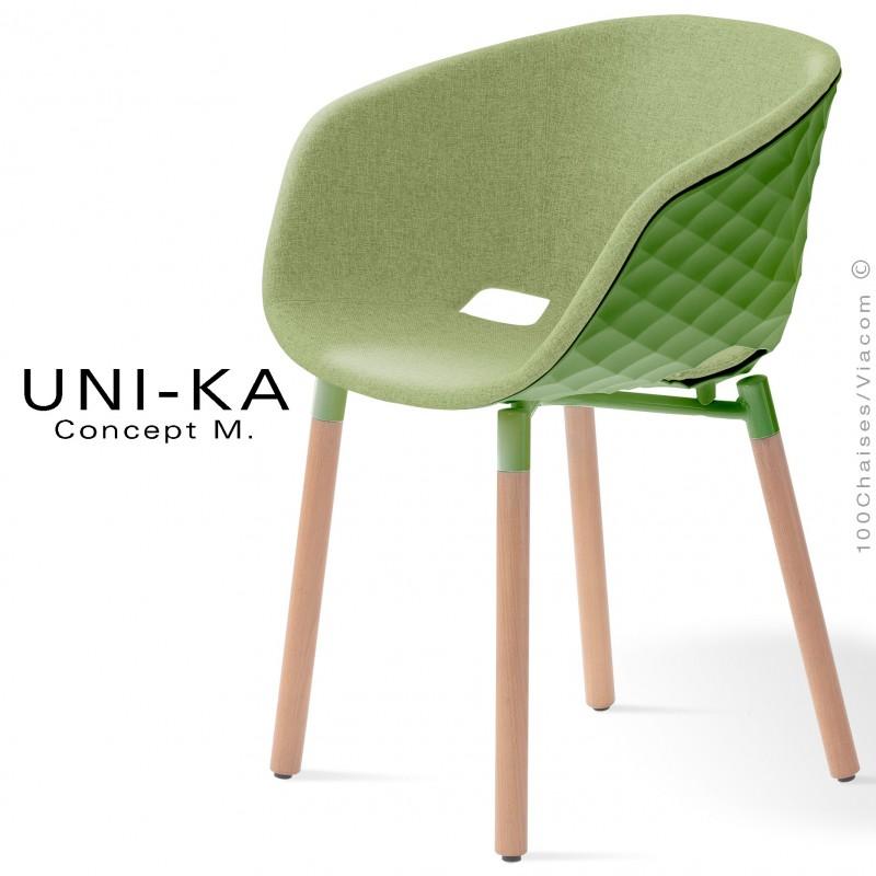 Fauteuil UNI-KA, assise coque effet matelassé vert pâle, assise garnie habillage tissu pistache FL827
