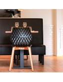 Exemple chaise design UNI en situation, restaurant, cafétéria, snack, bistrot, etc…