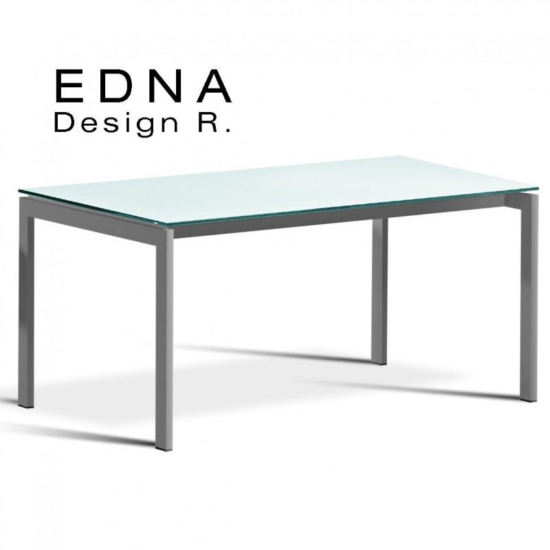 Edma table design piétement peint argent, plateau verre teinté blanc.