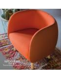Collection Mousse, fauteuil lougne et fauteuil simple, piétement bois hêtre, assise et dossier garnie, habillage tissu