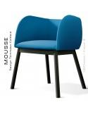 Fauteuil Mousse, piétement bois hêtre noir, assise et dossier garnie, habillage tissu bleu