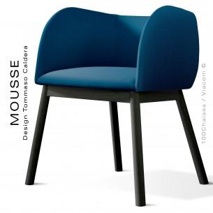 Fauteuil Mousse, piétement bois hêtre noir, assise et dossier garnie, habillage tissu bleu pétrol
