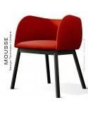 Fauteuil Mousse, piétement bois hêtre noir, assise et dossier garnie, habillage tissu rouge