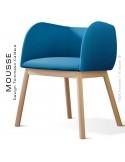 Fauteuil Mousse, piétement bois hêtre naturel, assise et dossier garnie, habillage tissu bleu