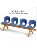 Banc design OLIVIA, piétement bois, assise 4 places coque plastique couleur bleu.