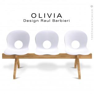 Banc design OLIVIA, piétement bois, assise 3 places coque plastique couleur blanche.