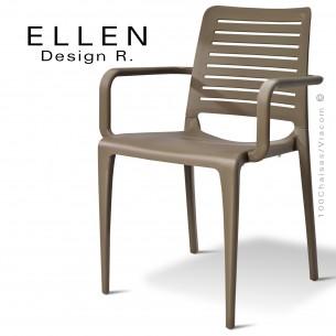 Fauteuil design ELLEN, structure et piétement plastique de couleur taupe, empilable, pour extérieur.