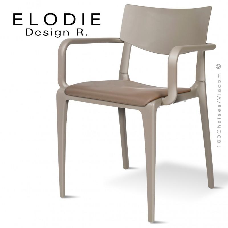 Fauteuil design ELODIE, structure et piétement plastique couleur taupe, avec coussin d'assise couleur taupe.