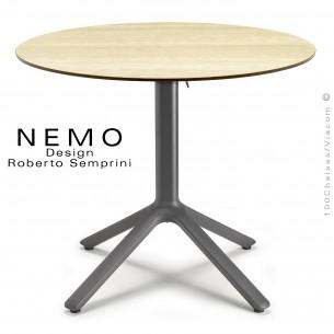 Table NEMO, pour CHR., piétement encastrable aluminium couleur anthracite, plateau Ø80 cm., rabattable compact chêne clair.