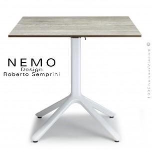 Table NEMO, pour CHR., piétement encastrable aluminium blanc, plateau 80x80 cm., rabattable compact chêne.