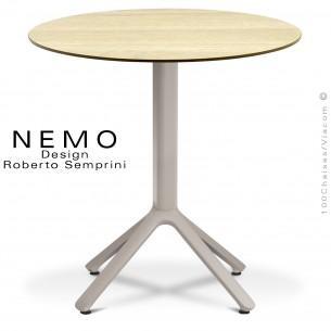 Table NEMO pour CHR., piétement aluminium peint gris Tourterelle, plateau Ø70 cm., compact chêne clair.