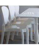 Chaises design QUEEN, structure plastique blanche, exemple en situation.