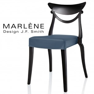 Chaise design Marlène, structure plastique noir, habillage tissu couleur bleu clair.