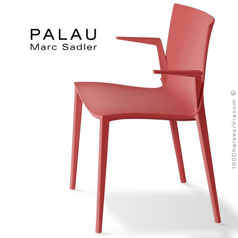 Fauteuil PALAU, structure plastique, 4 pieds monobloc couleur rouge corail.