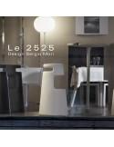"""Exemple tabouret design """"Le 2525"""" en situation, structure coque plastique en polyéthylène, mobilier empilable."""