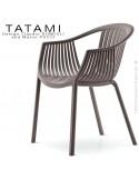 Fauteuil TATAMI, structure plastique couleur marron, assise effet tressé - Lot de 4 pièces.
