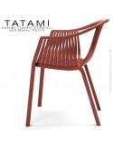 Fauteuil TATAMI, structure plastique couleur rouge foncé, assise effet tressé - Lot de 4 pièces.