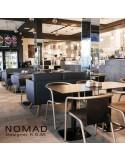 Exemple situation banquette design NOMAD, piétement bois teinté au choix.