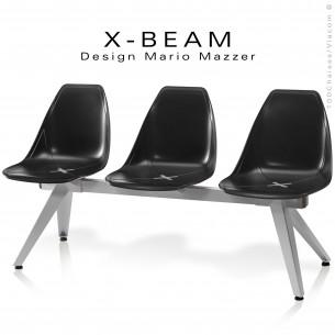 Banc design X-BEAM, structure acier peint gris-argent, assise coque plastique couleur noir avec incrustation bois.